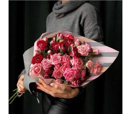 13 кустовых роз